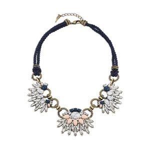 Chloe + Isabel Jewelry - Chloe + Isabel Morningtide Statement Necklace